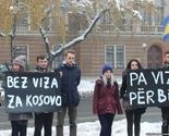 Mladi protiv zidova viznog režima