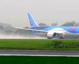 Avion zbog jakog vjetra bočno sletio na aerodrom u Bristolu