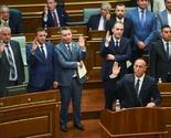 """""""Građani žive sa po 2 eura dnevno, vladini službenici povećavaju luksuz svakog dana"""""""