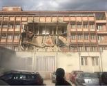 """Južna Mitrovica: Urušio se deo nekadašnjeg hotela """"Adriatik"""""""