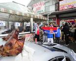 Vlasnik pekare se slikao sa simbolom Velike Albanije, grupa ekstremista ispred pekare pevala o paljenju džamija