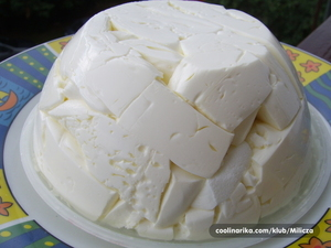 Kako da napravite domaći sir na starinski način (recept)