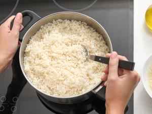 Sve tajne savršeno kuhane riže: Smanjite temperaturu i pazite na omjer s vodom