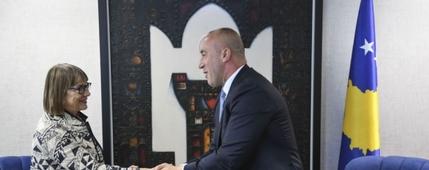 Haradinaj uručio Natasi Kandić 'zlatnu mapu Kosova'