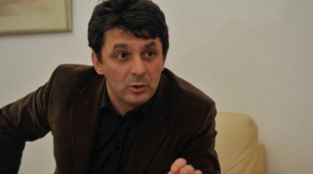 Vučić mora saopćiti da Kosovo više nije dio Srbije, a RS je samo bosanski entitet