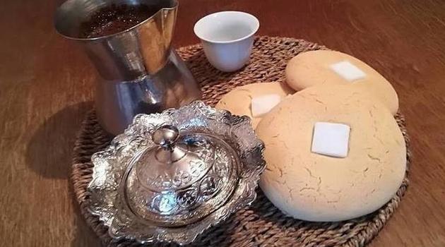 Gurabija - slatki hljeb orijentalnog porijekla kojeg svojata cijeli Balkan