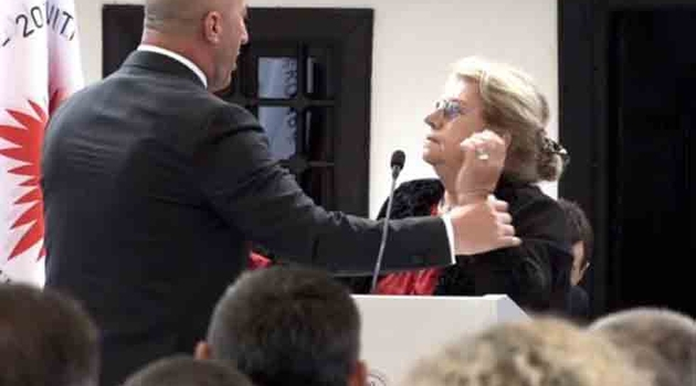 Prizren: Žena izašla za govornicom, Haradinaj morao reagovati