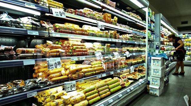 Veći trgovinski centri masovno uvozili robu iz Srbije pre carina?