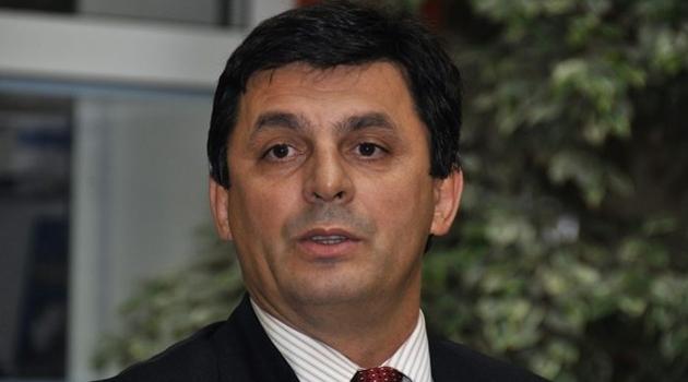 """Lavić: Kukavice i hulje kriju se iza """"srpskog naroda"""" i mitova"""