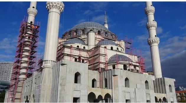 Tirana dobija najveću džamiju na Balkanu, može da primi 10.000 vjernika
