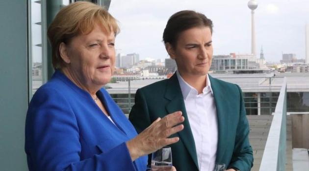 DW: Vučić nije obavio svoj deo dogovora, Merkel u Brnabić traži alternativu