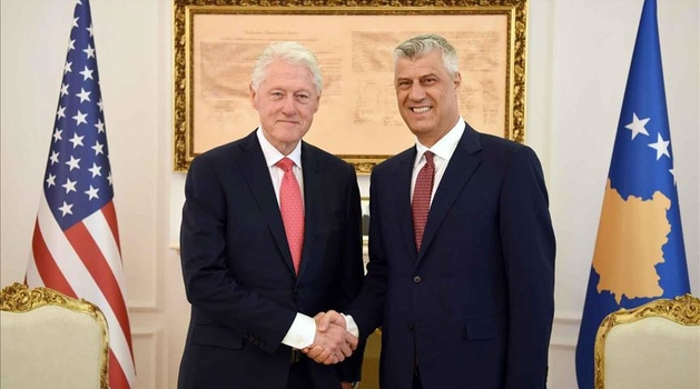 "Priština: Thaci odlikovao Clintona ""Ordenom slobode"""