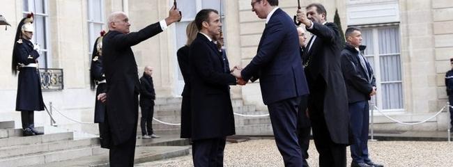 Francuzi jasno pokazali da podržavaju Tačija